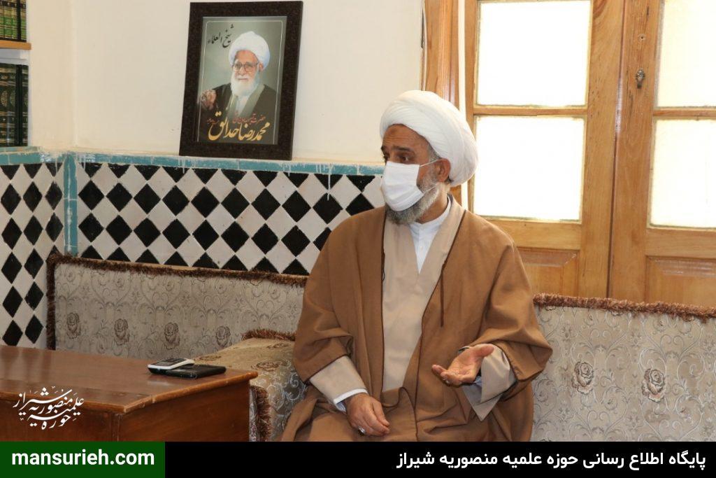 تصاویر| نشست خبری مسئول قرارگاه عمار حوزه علمیه منصوریه شیراز با اصحاب رسانه