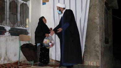 تصاویر| توزیع بستههای معیشتی توسط طلاب قرارگاه عمار حوزه علمیه منصوریه شیراز در روستاهای زلزله زده سی سخت