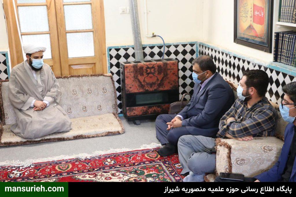 تصاویر| دیدار اعضای پایگاه خبری شیرازه با حجت الاسلام والمسلمین حدائق